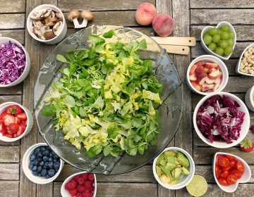 Actividades para que los niños aprendan a comer solos